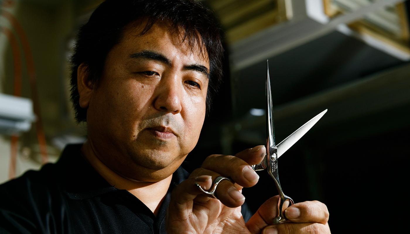 はさみ職人 株式会社ヒカリ 新潟工場 工場長 石塚 秀雄