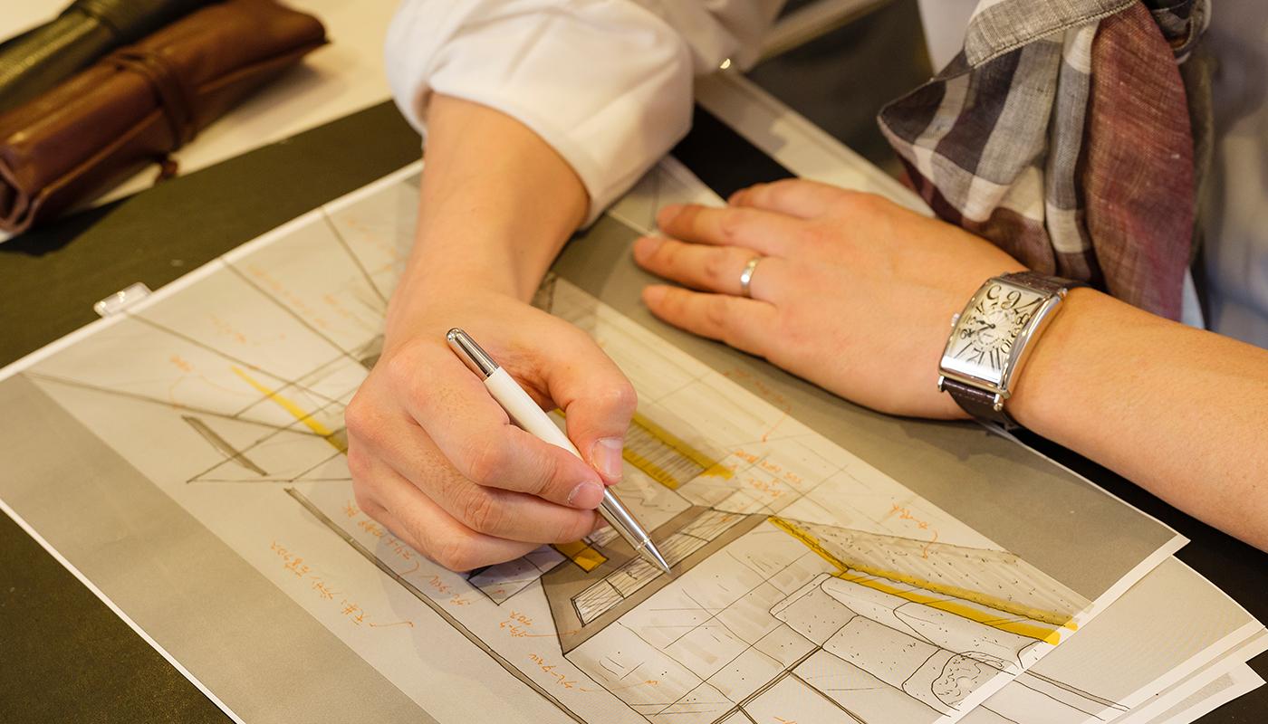 良いデザインを提供する…という漠然とした目的よりも、明確な成果を目指し、それを実現してきたことが、橋本氏が多くの顧客の満足を得てきた理由だろう。採用や集客の面で、確固たる結果を導くデザインを生み出す裏には、どのような想いが息づいているのか。