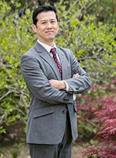 﨑山 信夫(さきやま のぶお)