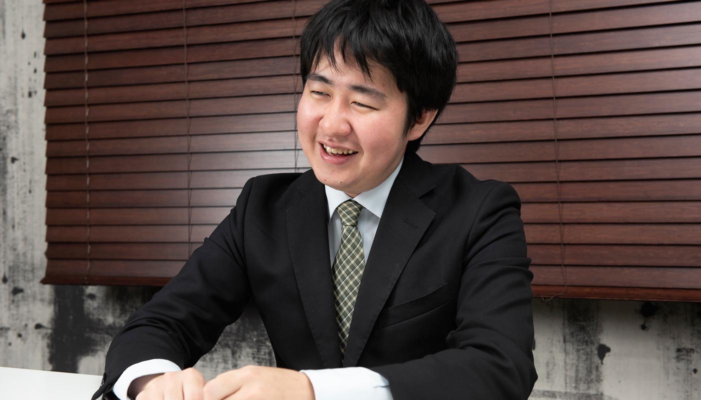 エンジニアとしての伊藤の仕事は、顧客の現場でのネットワーク環境の運用保守だ。そこでは予期せぬ技術トラブルが頻発することが日常。そんなときこそ、伊藤氏の技術と知識を背景にした冷静なトラブルシューティングの力が発揮される。
