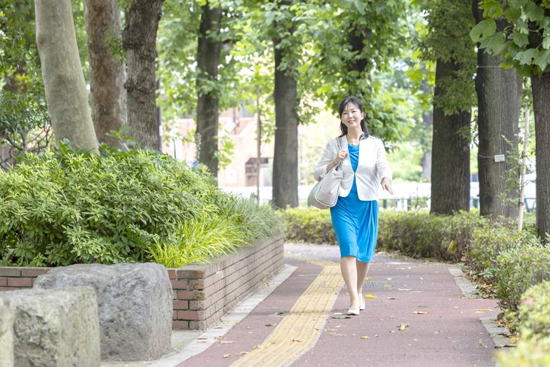 彼女の仕事人としての「原点」となったものに、ソフトバンク時代に経験した、孫正義社長肝入りの新人社員教育プロジェクトがある。各部署に配置された2,000人の新入社員から慕われ、後に「汐留の母」と呼ばれるきっかけとなった印象深い仕事だった。