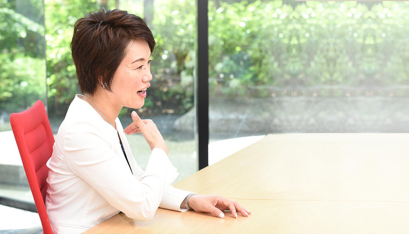 未来会計法人メイキット株式会社 代表 / 税理士 林 亜由美
