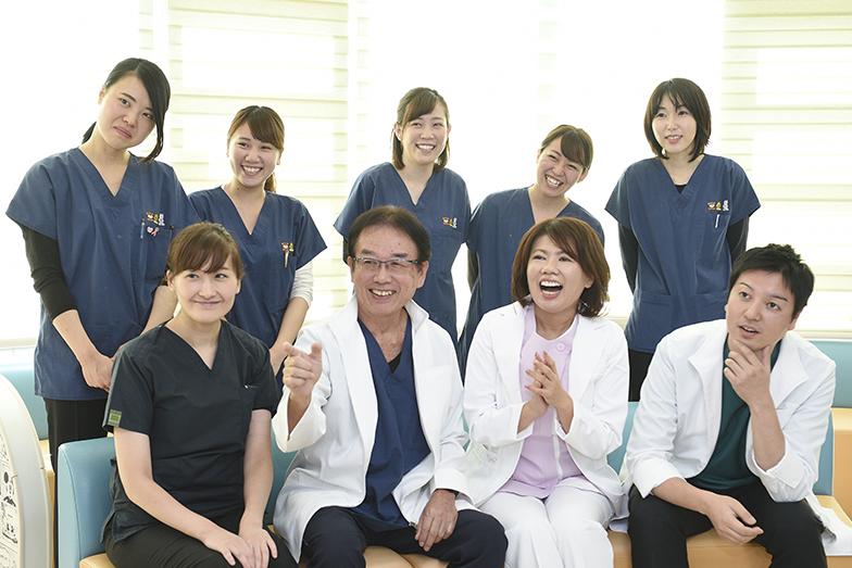 いま山田氏は、歯科クリニックを中心とした医療・福祉施設に注力してメンタルサポートを行っている。「医療福祉従事者は大きな精神的負荷がかかる仕事をしているのに、それを専門的にケアできる人がいない」というのが理由の一つだ。そして、何よりも「人」を必要とする職場であり、働く人が元気になれば、職場全体に活気が生まれることが、彼女のやる気を引きあげるという。