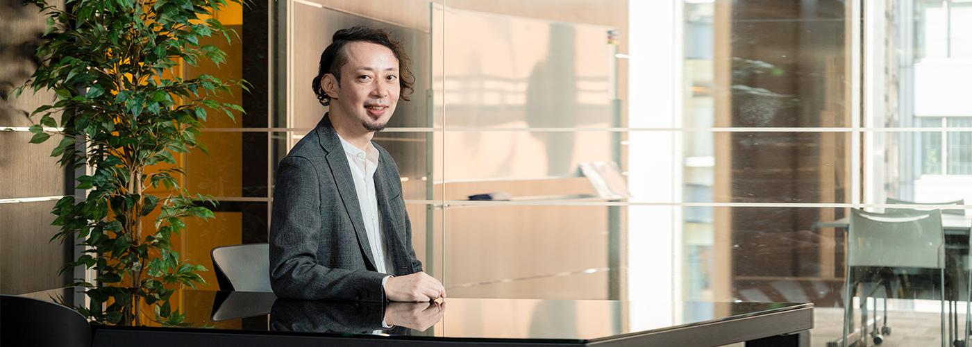 株式会社システムデバイステクノロジー フィオレンテ事業部 メイクアップアーティスト 淵上 直彦