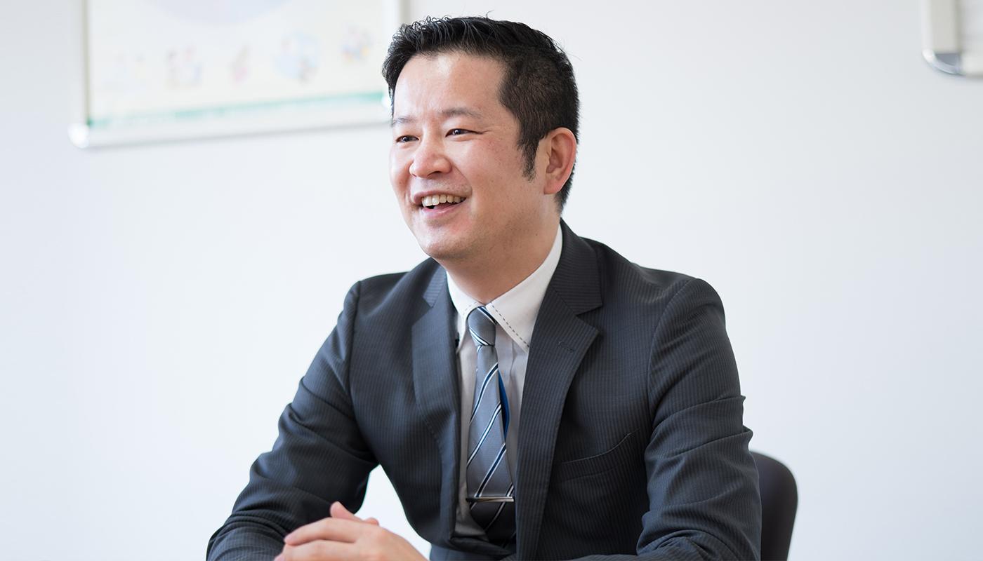 ——俵谷さんはいま、執行役員として営業部門を統括するとともに、仙台新田東店の店長を兼務していますね。もともと、営業畑を歩んで来たのでしょうか。